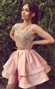 Short Blush Pink Two Piece Homecoming Dresses Una linea senza maniche Backless Mini abito da cocktail Prom Party Gowns Custom Lace
