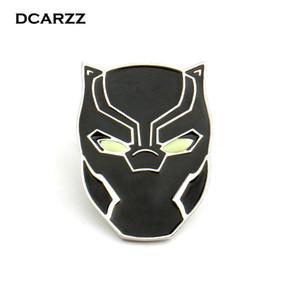 어벤저 스 블랙 팬더 핀은 어둠의 브로치에서 자랍니다 Wakanda King T'Challa Cosplay Accessories Men Movie Jewelrly Wholesale