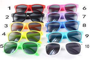 Gafas de sol unisex para niños La mayoría de las gafas baratas de estilo clásico de playa para niños, con gafas de sol, de plástico, de varios colores, 100p / l DHL Envío de EMS