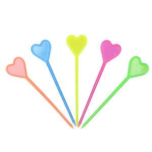 50pcs 플라스틱 일회용 포크 스틱 음식 선택 사랑 심장 화살표 디저트 과일 포크 주방 벤토 액세서리