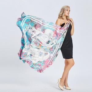 2018 Весна новых женщин седло пряжки шелк атласная голова площади хиджаб шарф печати пляж Шаль обертывания шарфы 130 см * 130 см Бесплатная доставка 160