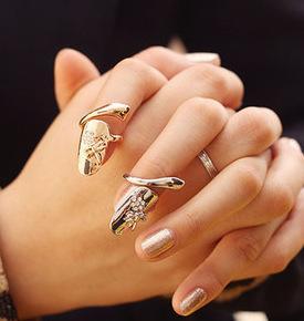 Neue Exquisite Nette Retro Königin Libelle Design Strass Pflaume Schlange Gold / Silber Ring Fingernagel Ringe