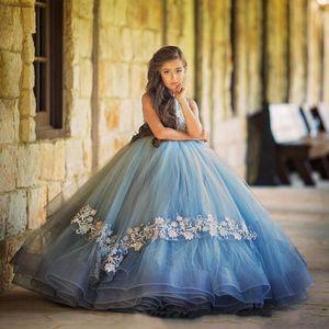 2018 ciel clair bleu filles Pageant robes cou ras du cou dentelle appliques robe de bal volants à niveaux enfants long plancher longueur fleurs filles robes de soirée