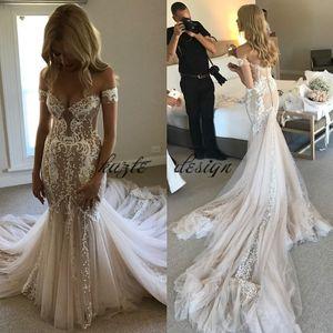 Pallas Couture Champagne Mermaid Abiti da sposa 2018 Modest Lace Tulle Off spalla Sweet Train Country Garden Tromba Wedding Gown