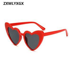 ZXWLYXGX Nueva moda Love Heart Sunglasses Women cute sexy retro Cat Eye Vintage cheap Gafas de sol rojo hembra