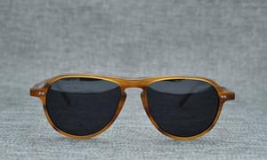 2018 Las gafas de sol piloto más nuevas de puente único Gafas de sol polarizadas rubias 52-18-145 Estuche completo de monturas de tablero puro OEM-fábrica