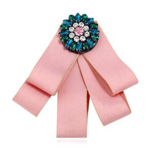 Nouveau Tissu Bow Broches pour les Femmes Cravate Style Broche Broche avec Cristal Strass Robe De Mariage Chemise Broche
