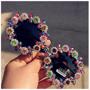 Новая Мода Классический Ретро Круглый Rhinestone Цветочные Солнцезащитные ОчкиЖенщины Марка Дизайнер Ручной Работы Летняя Роскошь Кристалл Женские Солнцезащитные Очки