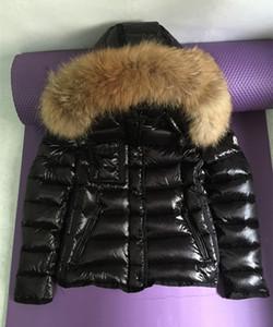 Marque hiver bas veste femmes court manteau chaud noir réel fourrure de raton laveur à capuche femme blanc duvet de canard manteaux