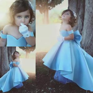 Bébé Bleu Satin Filles Pageant Robes Hors De L'épaule Robes De Fille De Fleur Pour Le Mariage Haut Bas Big Bow Enfants Fête D'anniversaire Robes