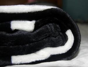 CALIENTE Marca tiro de franela negro manta polar 130x150cm 2size-, 150x200cm logotipo del estilo de la bolsa de polvo C n para viajes, hogar, oficina manta siesta