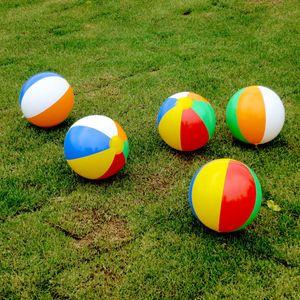 Strand-Ball-neue aufblasbare 6 Farben gestreifter Regenbogen-Wasserball im Freienstrand Ball-Wasser-Sport-Ballon für Kinder 23cm C4450