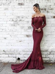 Burgundy Lace Abendkleider mit langen Ärmeln Capped weg von der Schulter Modische Formal Wear Frauen Abendkleider Elegante Partei-Kleider