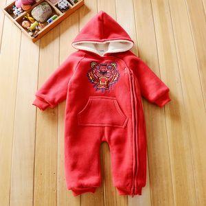 Флис детская ползунки одежда мода мальчик девочка зима 6-24М бархат утолщаются вышивка Тигр ползунки голова с капюшоном одежда