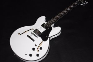 Chegada nova ligação withe cor guitarra elétrica com a cor preta no corpo e pescoço. diapasón de palisandro com hardware cromado