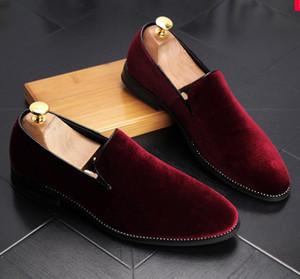 Nueva Moda de Oro Top y Metal Toe Hombres Velvet Dress shoes italian mens dress mocasines hechos a mano nx10
