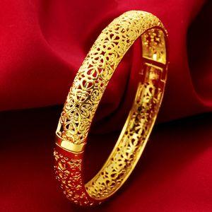 Pulseira de casamento Oco Sólido 18 k Yellow Gold Filled Womens Bangle Pulseira Openable Coração Modelado Jóias Presente Dia 56mm