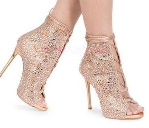 2018 Top Quality Peep Toe Stiletto Fino Salto Alto Recortes Sandália Botas de Cristal Strass Lace Up Tornozelo Curto Botas Gladiador
