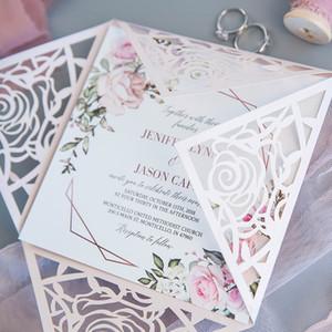 50 Takım / paket Tasarım Fold Gül Desen Dantel Lazer Kesim Düğün davetiyeleri Baskı Tebrik Kartları Zarf Mühür Kağıt Ile Convites