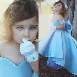Luz Sky Blue Satin High Vestidos de niña de las flores 2018 Off the Houlder Ruched Girls 'Formal Dresses de fiesta de cumpleaños BA7114