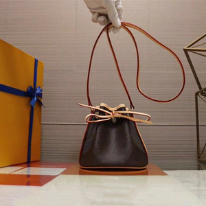 Atacado Mini clássico com cordão Bucket Bag Real Leather Senhora Crossbody Bag móvel Carteira Moda Satchel Retro Shoulder Bag Handbag