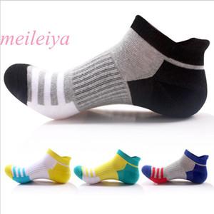 MEI LEI YA 5 Çift / torba Sıcak Bahar Ve Yaz Yeni erkek Çorap Pamuk Çizgili Tekne Çorap Gelgit erkek Moda Rahat