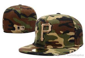 2018 Nouveaux Hommes Pirates Fermés Complets Chapeaux Ajustés Blanc P Lettre Sport Équipe pirates Baseball Taille Casquettes En Couleur Camouflage Complet