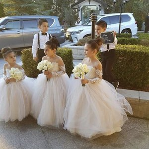 Cute Long Sleeves Ball Gown Flower Girls Dresses Jewel Neck Lace Applique Puffy Little Girl Party Gowns Tiered Kid Communion Dress