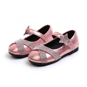 Bambini scarpe moda ragazze Diamonds Bow principessa Shoes Ragazze morbide scarpe con suole di cuoio bambini Studente di scuola Skate Scarpe Autunno