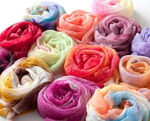 Kadınlar için toptan renkli moda ucuz atkılar şal zarif wrap infinity pamuk eşarp 50 adet