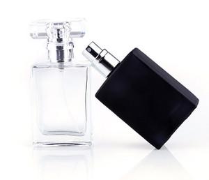 Le bottiglie di spruzzo di profumo di vetro portatile del nero libero caldo di vendita 30ml svuotano i contenitori cosmetici con l'atomizzatore per il viaggiatore