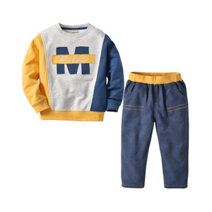 Children's autumn and winter new children's suit letter color matching boy's sweater long-sleeved two-piece set of long-sleeved shirt