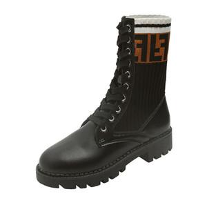 Mulheres de luxo Botas Sapatos de Inverno Quente Ao Ar Livre Lace-up Designer Ankle Boots para Senhoras Feminino Low Heel Plana com Botas de Meia Casuais L-45