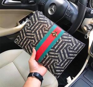 Nouveau designer de mode hommes pochette pochette lettre abeille Italie top en cuir pochette 33017 zipper square grand portefeuille