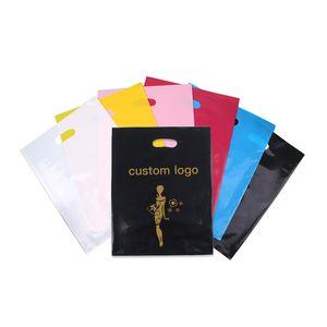 imprimer des sacs en plastique d'emballage sac cadeau pour le shopping marque porte-poignée de vêtement conçu des sacs PE