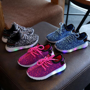 2018 Small Children's Shoes LED Luminous Kids Sneakers Boys And Girls Shiny Running Sports Light Up Shoes Booties Toddler Casual Shoes