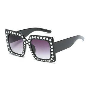 Mincl Crystal Square Sunglasses Oversized Women Diamond Gradient Sun Glasses Ladies 2018 New Luxury Female Glasses Frame Fml