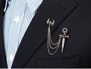 Carattere specifico Accessori per abiti Spilla retrò europea e americana Croce teschio Ali Spilla in cristallo Spilla da uomo