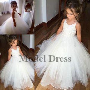 A buon mercato Spaghetti cinghie di pizzo e Tulle Flower Girl Dresses Per la cerimonia nuziale bianco Little Ball Gown Princess Girls Pageant Gowns Fashion 2018