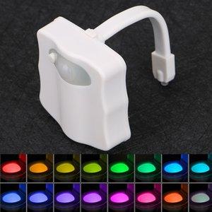 Sensor-Toilette kleine Nachtlampe 8 Farben LED Batteriebetätigte Lampe Menschen Induktionslampe