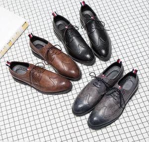 Diseñador de la marca-Mens zapatos casuales wingtip negro vestido de novia formal de cuero derby oxfords zapatos planos tan brogues zapatos para hombres