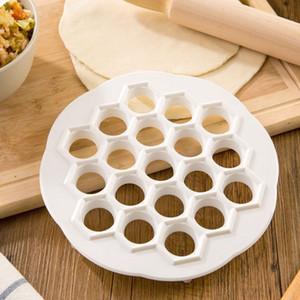 DIY Kitchen Pastry Tools Weiß Kunststoff Knödel Mold Maker Teig Presse Knödel 19 Löcher Knödel Maker Mould Tools DHL Frei WX9-384