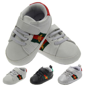 Perakende Toddler Ayakkabı Yenidoğan Bebek Bebek Erkek Kız Katı Tuval kaymaz Yumuşak Ayakkabı Için Sneaker Moda Yama Pamuk Ayakkab ...