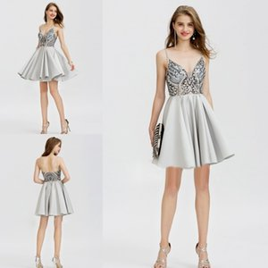 2018 Sexy Spaghetti Homecoming Robes Major Perles Cristal Scintillant Conception Voir À Travers Dos Nu Parti Robe De Bal