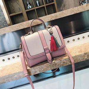 Yeni Marka Çanta Kadın PU Deri Çanta Hit Renk Moda Devletleri Püskül Kolye Omuz Patchwork Messenger Çanta Çanta Yüksek Kalite