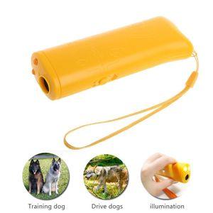 고품질 애완 동물 강아지 훈련 장치는 1 개 반대로 짖는 중지에있는 LED를 짖는다 Bark 초음파 개 Repeller (건전지없이)