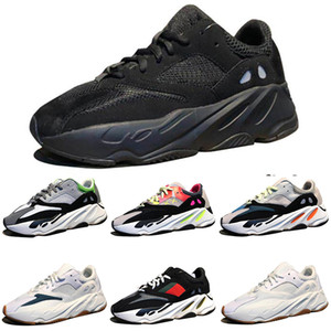 Kanye West Wave Runner 700 Boots Grey Running Shoes for men 700s womens mens Athletic Sports Sneakers trainers outdoor designer Causal shoes