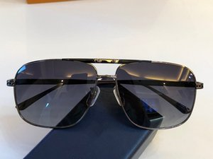 Hombres de moda de lujo gafas de sol de diseño Cuadrado Marco de metal Negocio Gafas de conducción UV400 Gafas de protección exterior Gafas de calidad superior