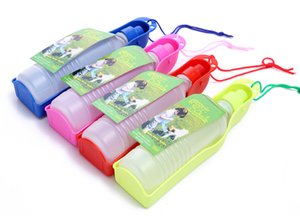 0.5L Pet Water Bottle Dog Travel Water Feeder Bowl Puppy Bollitori portatili Pet Supplies in plastica