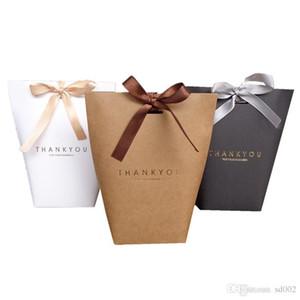 Faveurs de mariage Bonbons Français Merci Merci Chocolat Coffrets Cadeaux Nouveauté Romantique Dorure Style Pliable Sac En Papier Parti Décor 0 5jx ZZ
